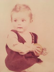 Lucinda Riley als baby